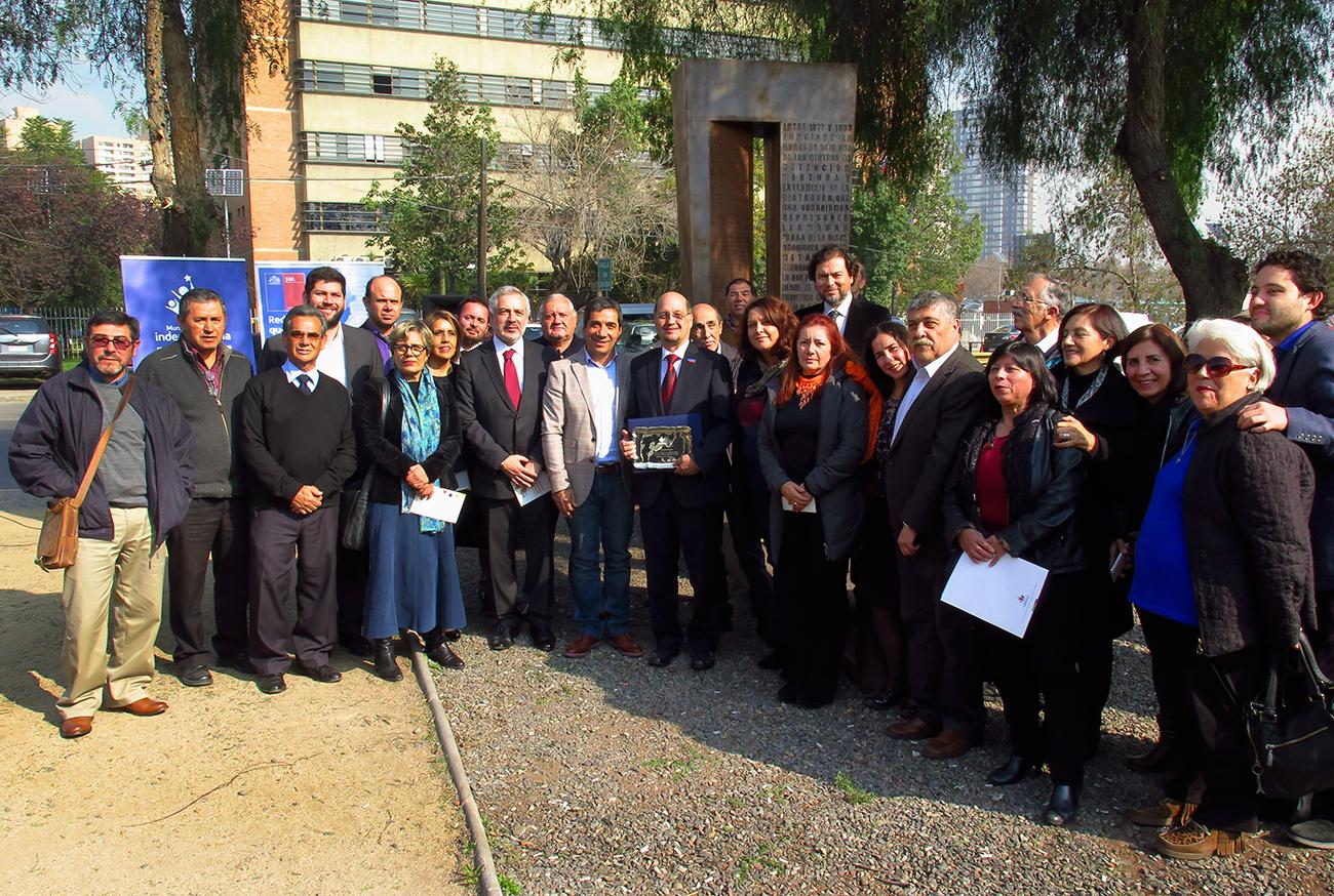 Independencia rinde homenaje a Patricio Bustos por su contribución a los Derechos Humanos