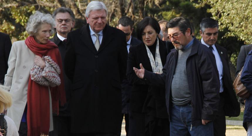 Ministro Presidente del estado alemán de Hesse, Volker Bouffier, visita Villa Grimaldi