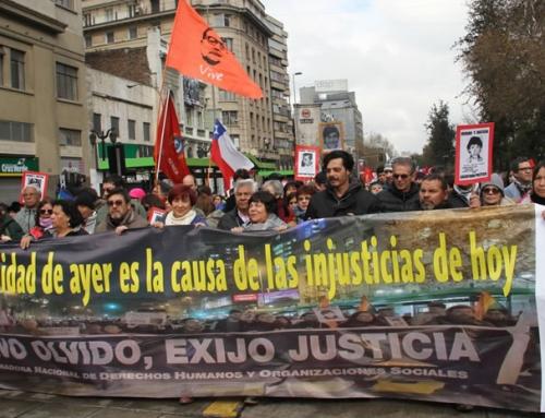 Agrupaciones de Derechos Humanos exigieron fin a la impunidad y a la deliberación de las Fuerzas Armadas en romería al cementerio General