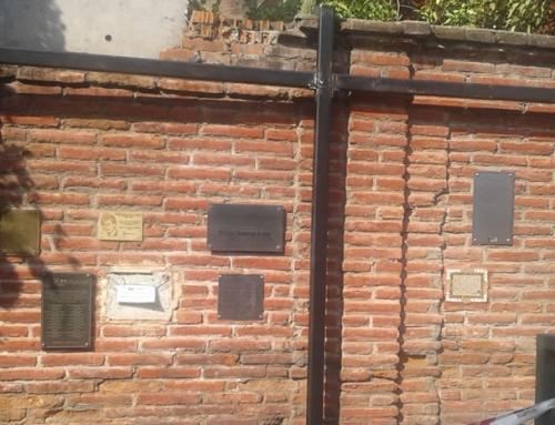 Villa Grimaldi repara muro original del parque afectado por terremoto del 2010