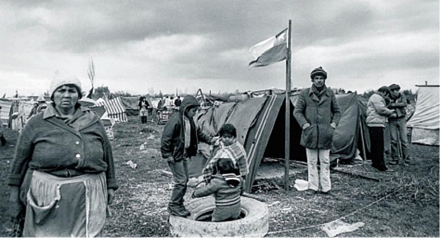 Descarga y revisa la publicación de la muestra 'Peñalolén en la memoria. De historia popular y resistencia'