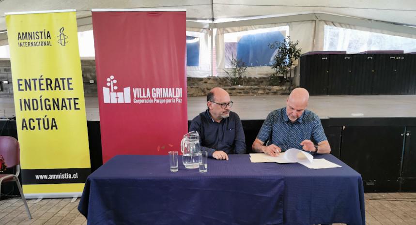 Para reforzar la defensa de los derechos humanos Corporación Parque por la Paz Villa Grimaldi y Amnistía Internacional Chile firmaron acuerdo de colaboración