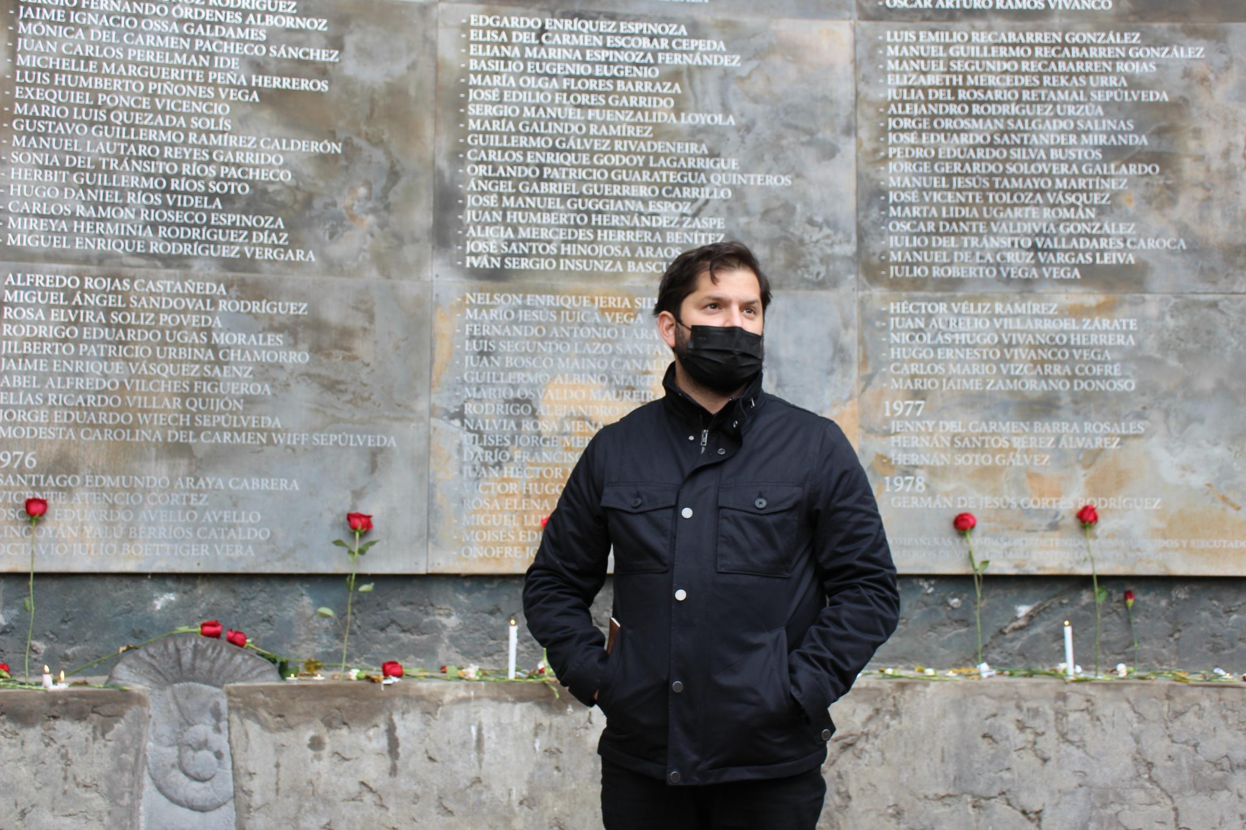 """Gabriel Boric: """"Un país no puede estar tranquilo mientras todavía hayan cerca de mil personas que no sabemos donde están"""""""